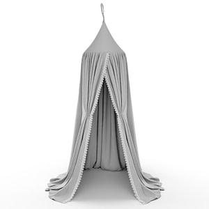 Öppen grå sänghimmel med spets